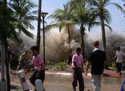 2004 Indian Ocean Tsunami in Thailand. Photo by David Rydevik